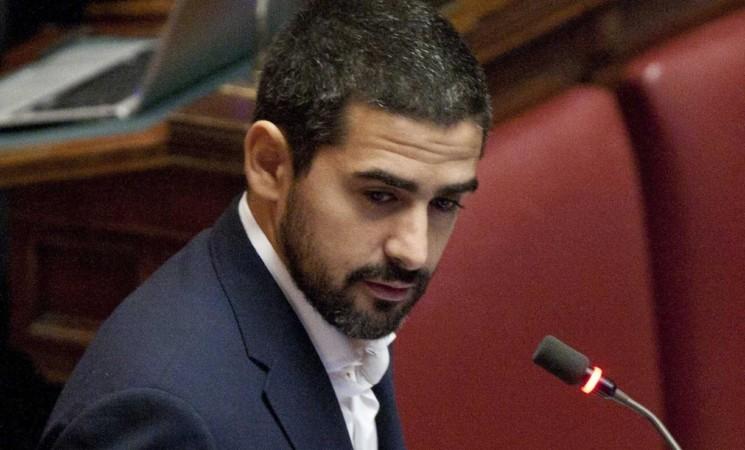 """Politica e vitalizi: scontro su """"Il Tempo"""" Fraccaro-Rotondi"""