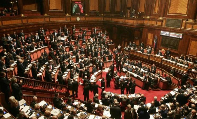 Il Senato approva il bilancio interno 2016. Interventi dei senatori De Poli e Malan.