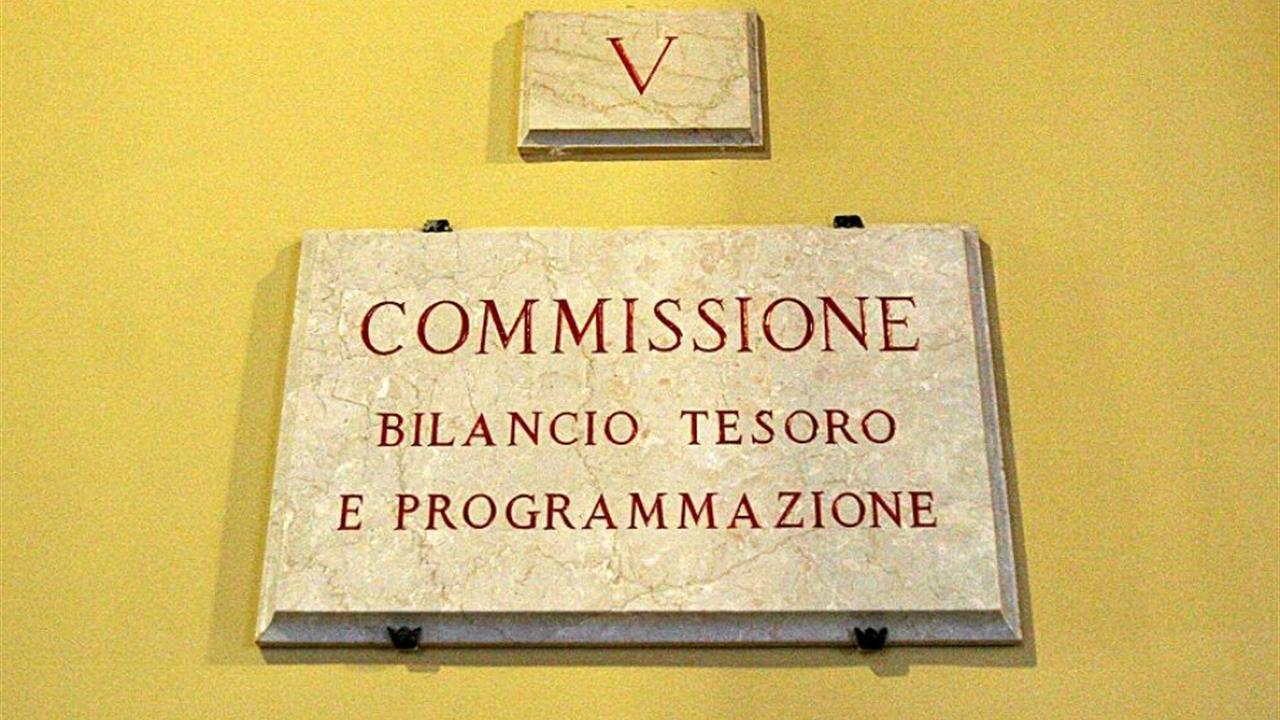 Legge sui vitalizi la commissione bilancio chiede una for Commissione bilancio camera
