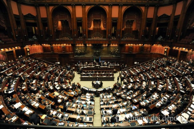 """""""Riduzione dei parlamentari: una pessima riforma"""" - Un'analisi di Enzo Palumbo"""