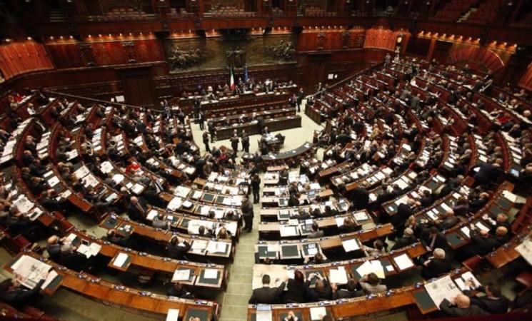 La brutta storia dei vitalizi: un commento di Mauro Zampini e un'analisi di Emanuele Lauria