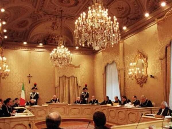 """Pensioni d'oro: i limiti della Corte Costituzionale - Falomi: """"La Consulta ci dà ragione sui vitalizi"""""""