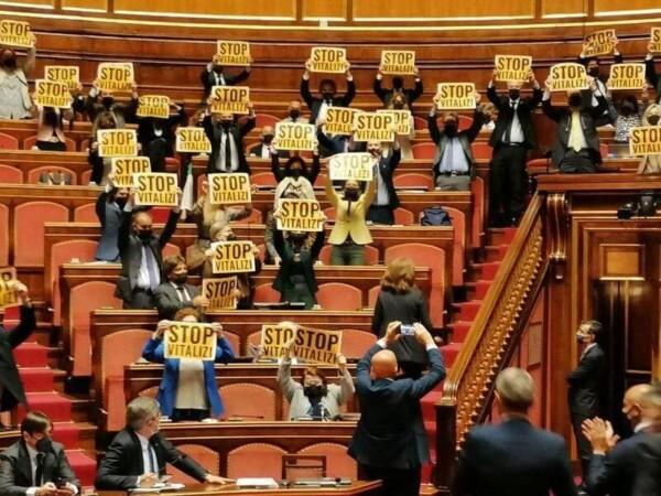 Segnalazioni Stampa, 27mag21 - Senato: sceneggiata 5Stelle e mozioni-flop