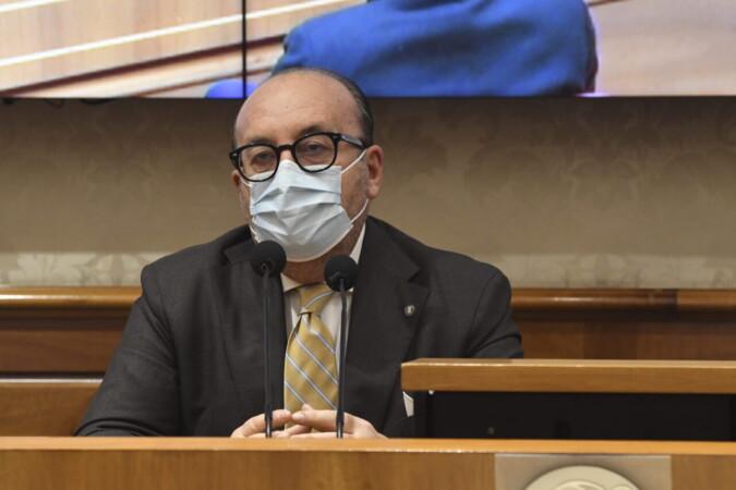 Senato. Vitalizio: Formigoni vince anche in Appello - La notizia e le reazioni del M5S