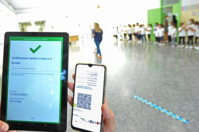 """Segnalazioni Stampa, 17set21 - """"Green Pass"""" in Parlamento, intese e polemiche. Puglia, sviluppi"""